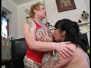 Mature Rhone and Raven share 2 cocks