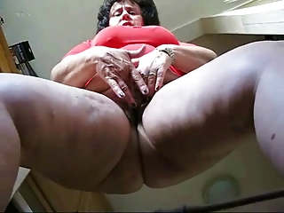 Chubby mature in pantyhose