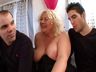 French mature hooker Kate in Paris 2
