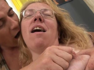 Old granny with spex sucking hard cock