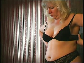 Nicely chunky mature woman