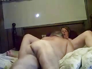 Licking pussy of my mature bitch. Amateur older
