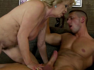 Mature granny getting pussy pounded by this lucky guy